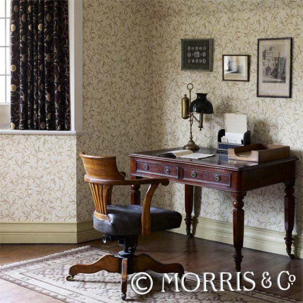 Morris & Co Tapet Scroll Bisquit