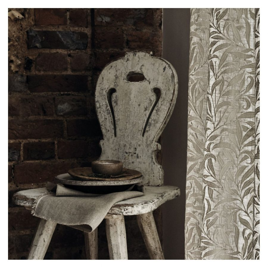 William Morris Tyg Pure Willow Bough Embroidery Flax