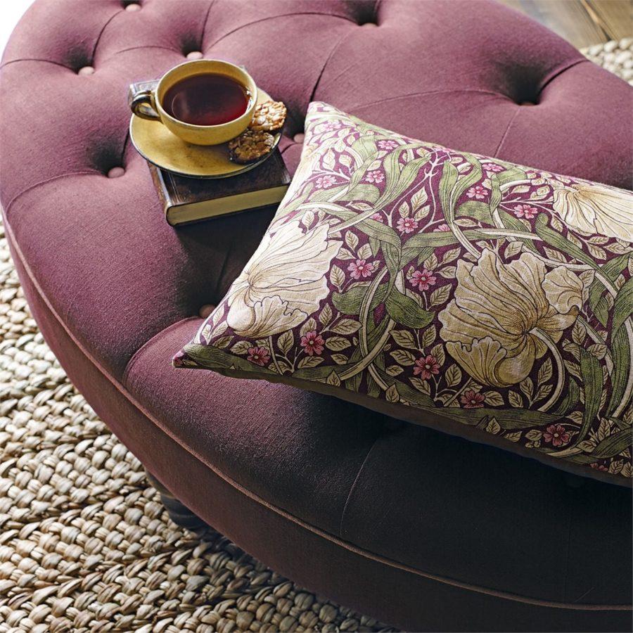 William Morris tyg Pimpernel Aubergine / Olive