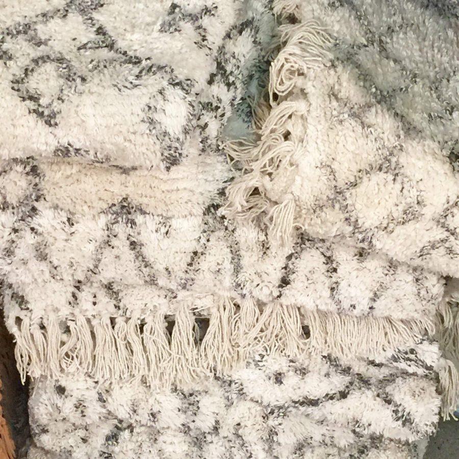 Nordal Matta Diamonds vit grå stentvättad matta träd
