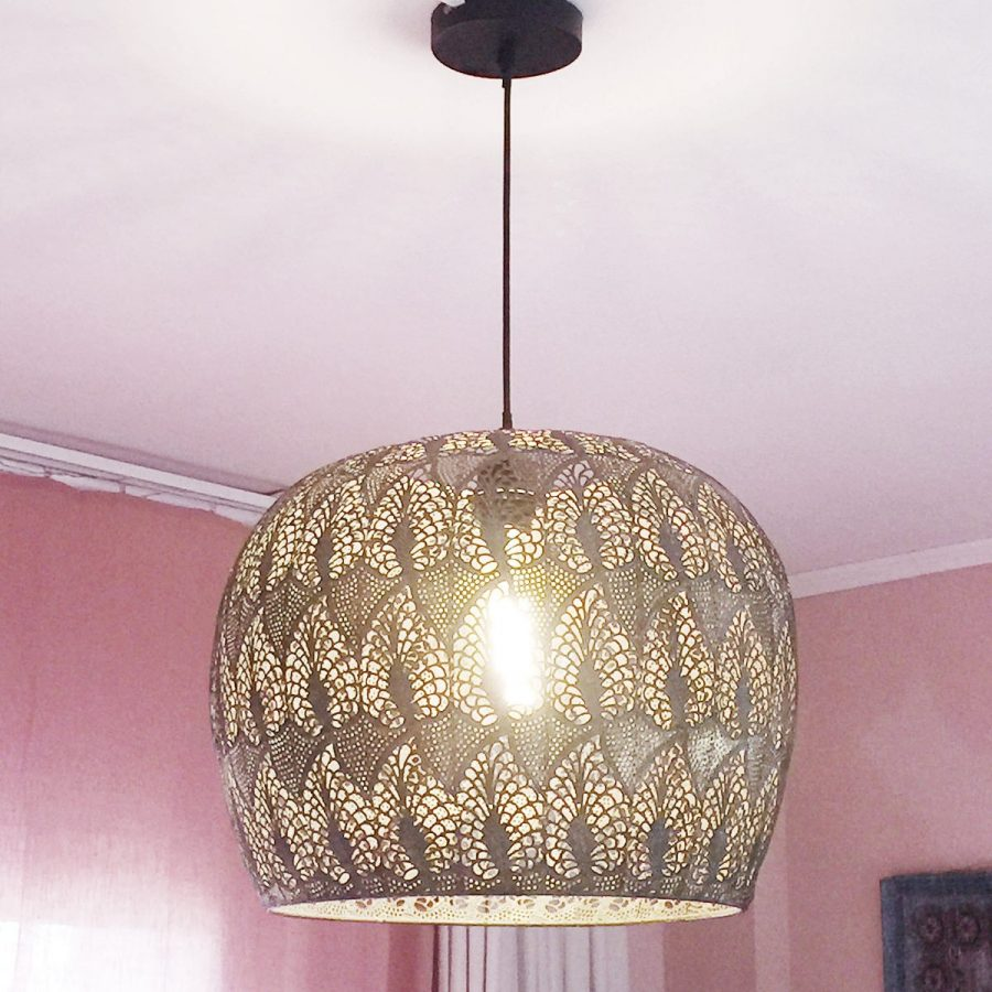 Taklampa morockostil rund genombruten metall